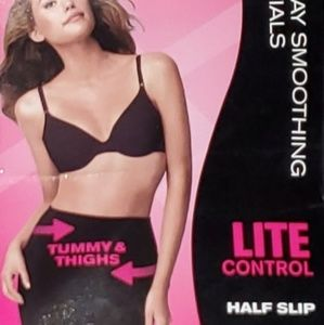 Maidenform Flexees Half Slip Lite Control